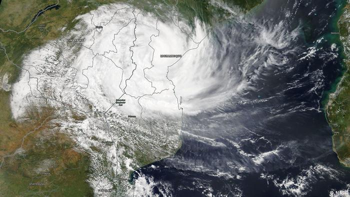 More than 1,000 feared dead after cyclone slams into Mozambique
