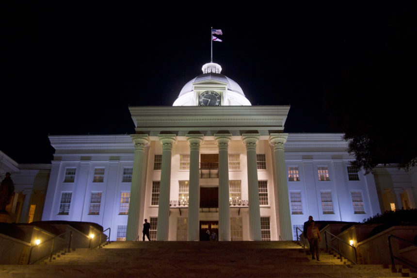 Appeals court rules against Alabama abortion restriction