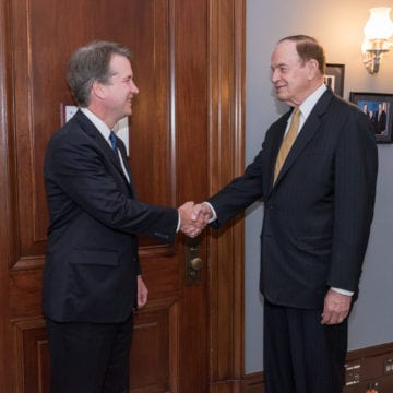 Shelby meets with Kavanaugh, shows support