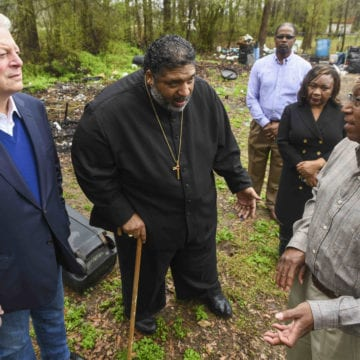 Al Gore tours Lowndes County and discusses environmental justice issues at town hall
