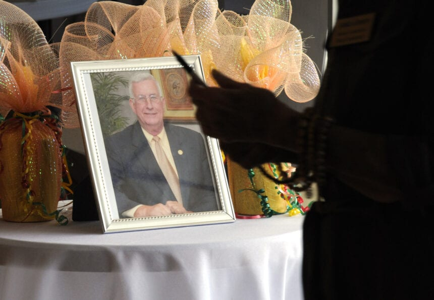 Clanton reels after death of longtime mayor